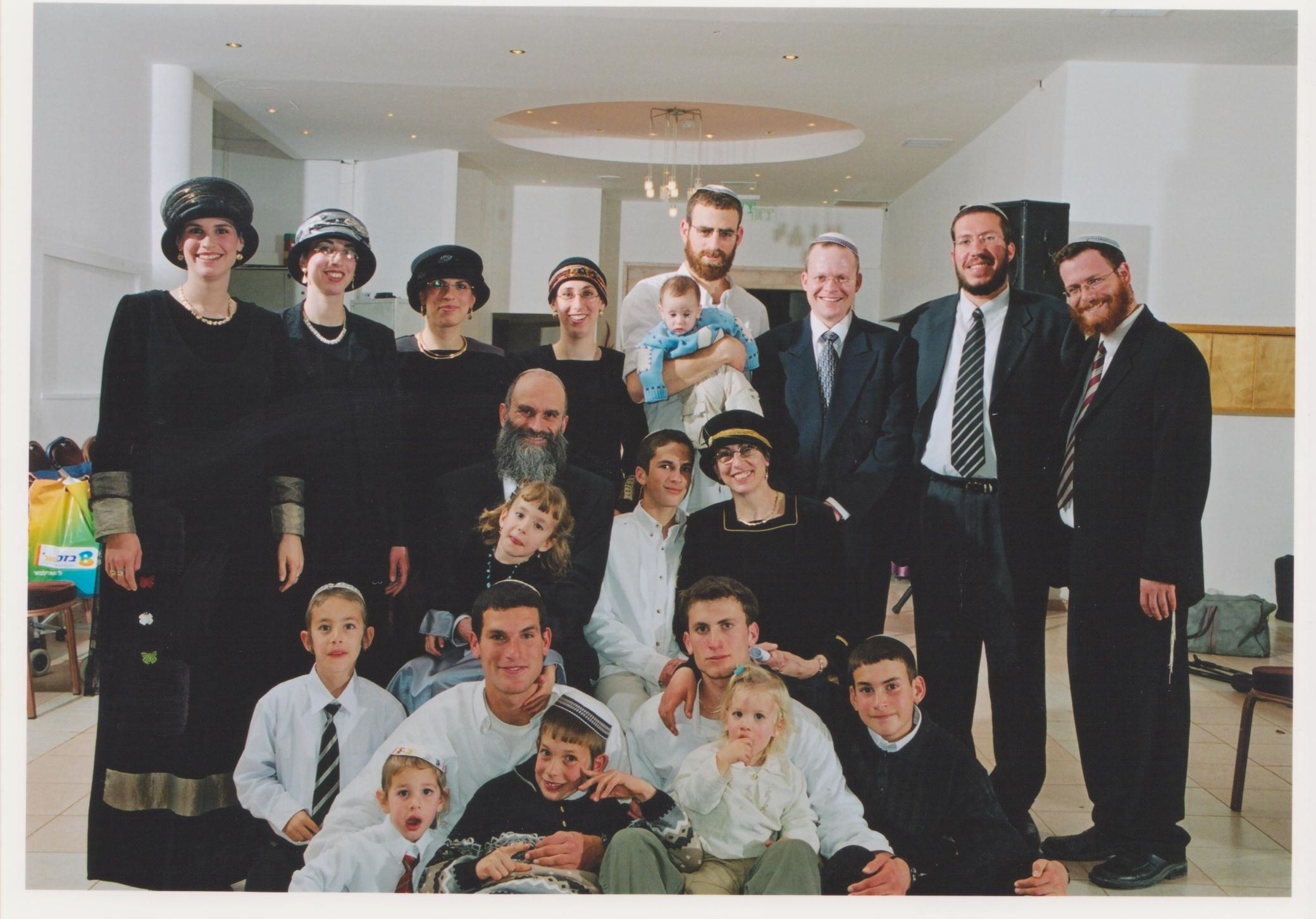 שבט תשסד שלמה וישי עם המשפחה בבר מצווה של חגי