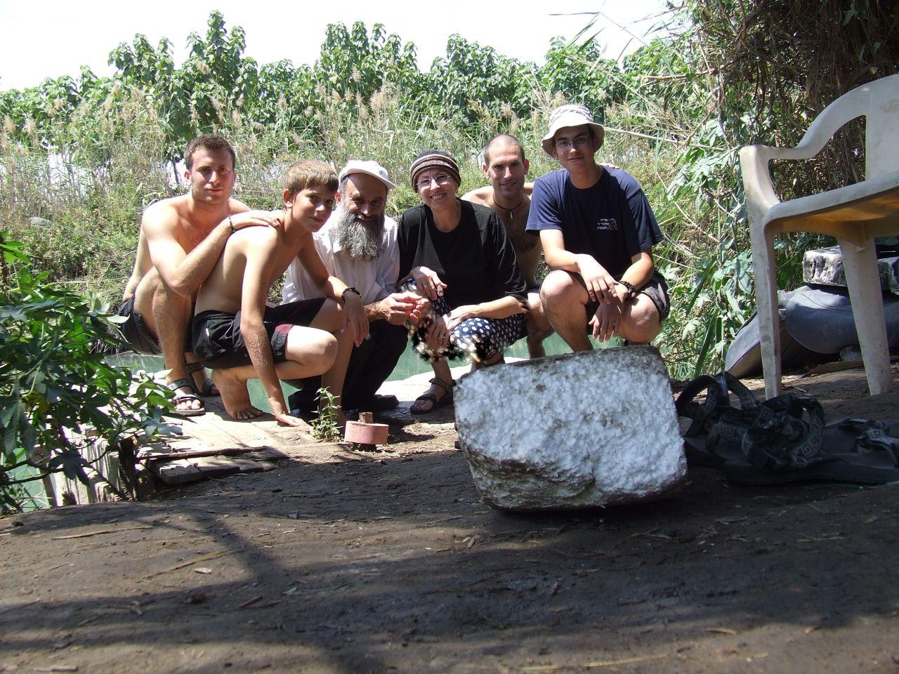 קיץ תשסז שלמה וישי עם המשפחה בחונזיר