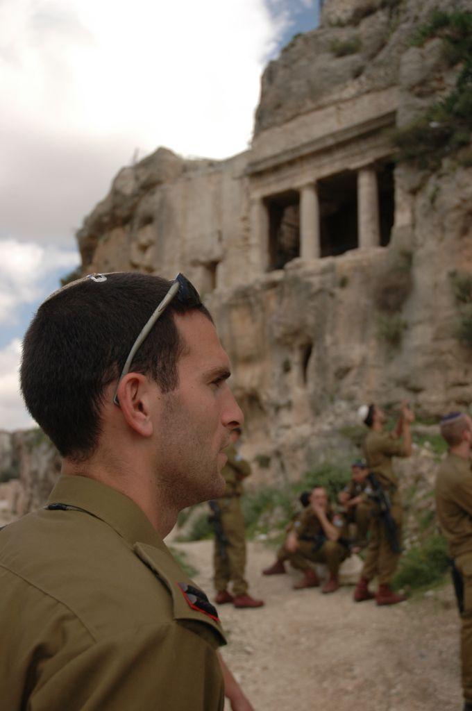 בגדוד נצח יהודה