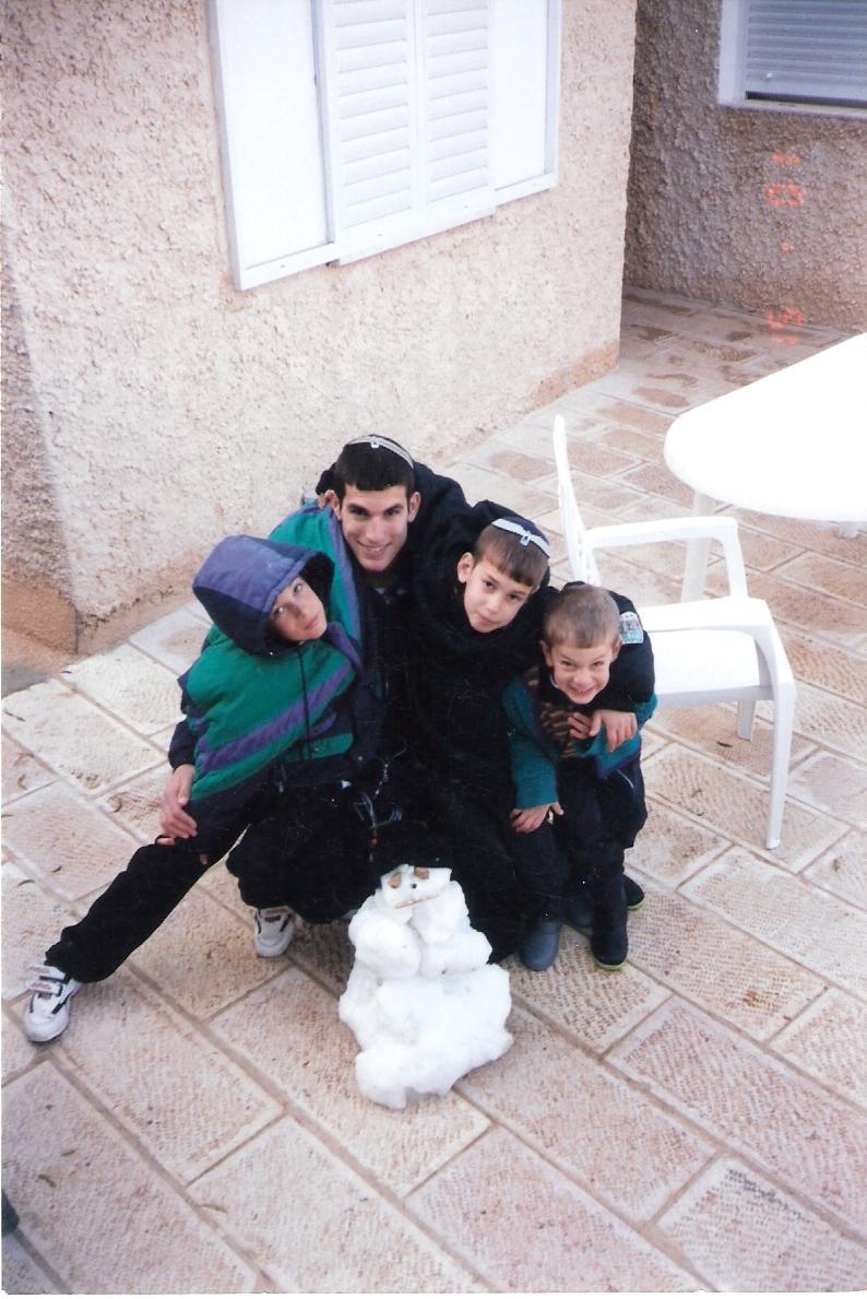 חורף תשסד שלמה הביא לישי שלג מירושלים