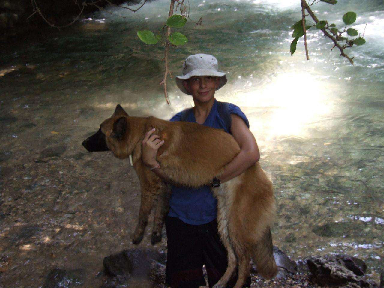 קיץ תשסז ישי בן 12 בחד נס עם פוקס הכלבה שלו