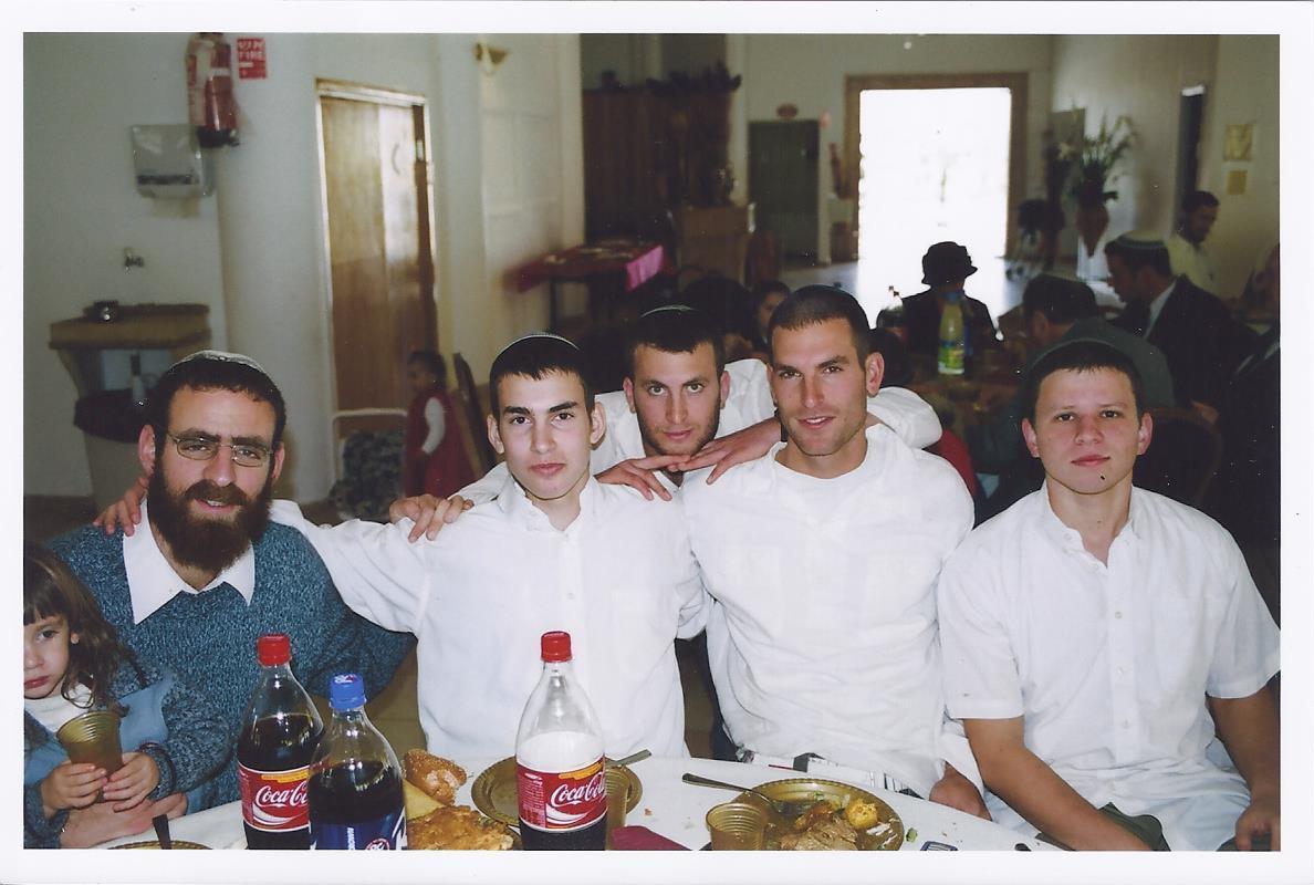 טבת תשסו שלמה עם ישראל יצחק ואריאל בברית של נועם