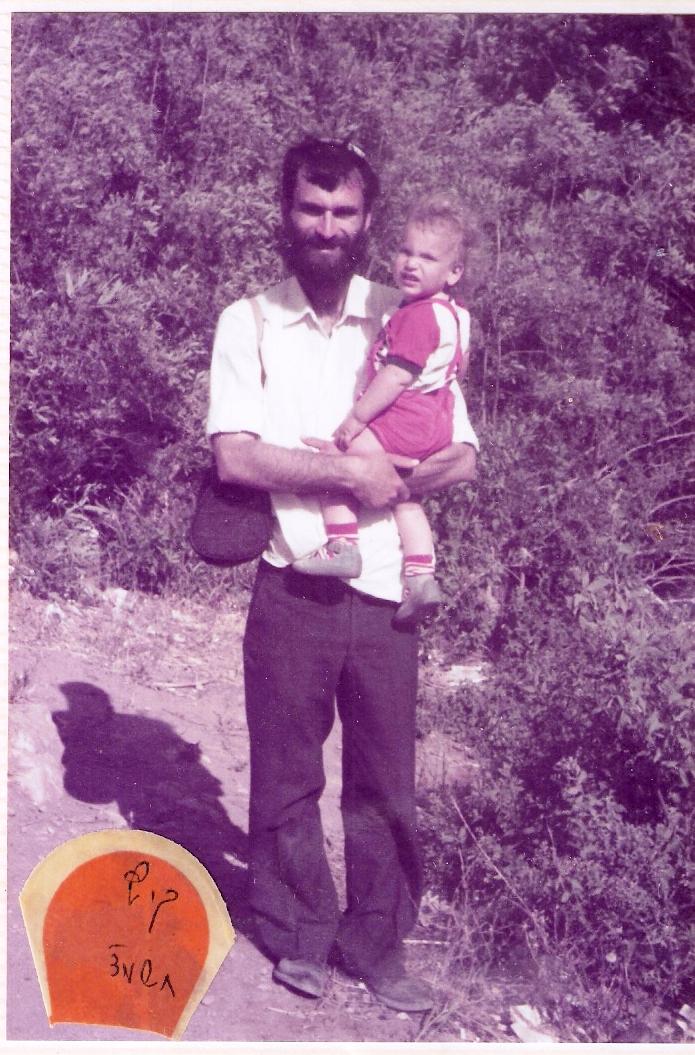 יום העצמאות תשמד שלמה בן שנה ורבע עם אבא