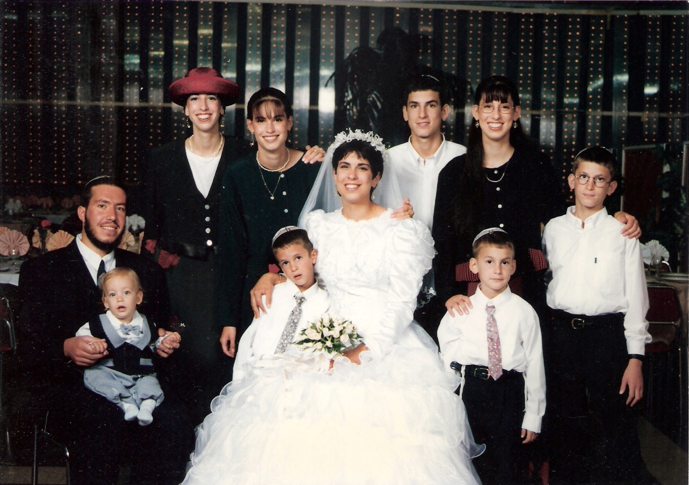 אלול תשנז המשפחה הגרעינית בחתונה של מיכל וחמי