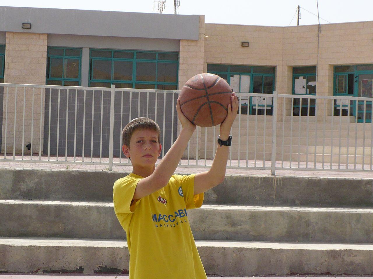 קיץ תשסז ישי בן 12 שחקן כדור סל מצטיין